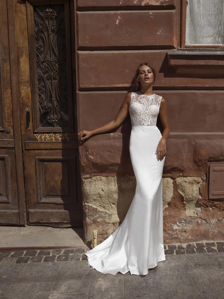 LiRi Bridal style Flora Image