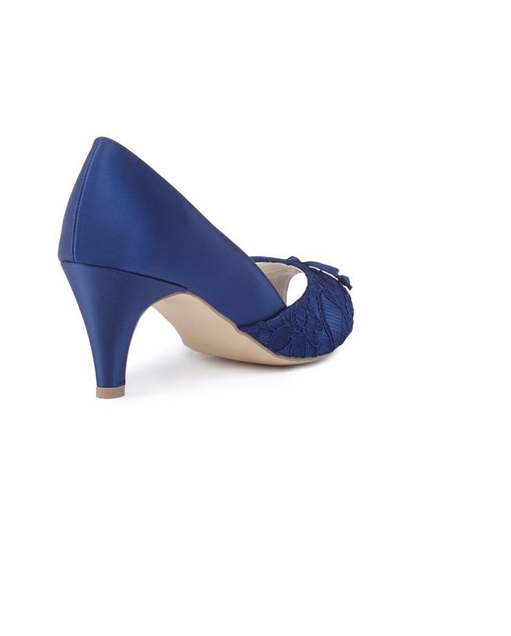 Benjamin Walk Shoes Dariela