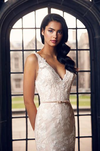 Paloma Blanca Style #4900