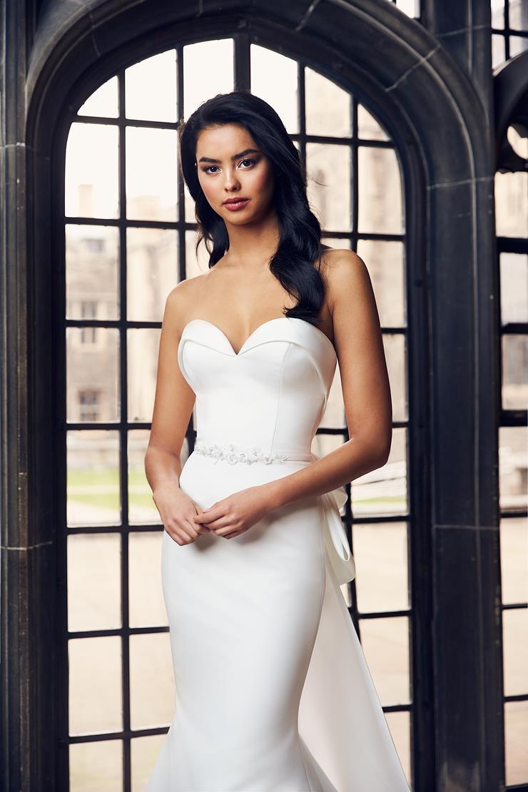 Paloma Blanca Style #4901