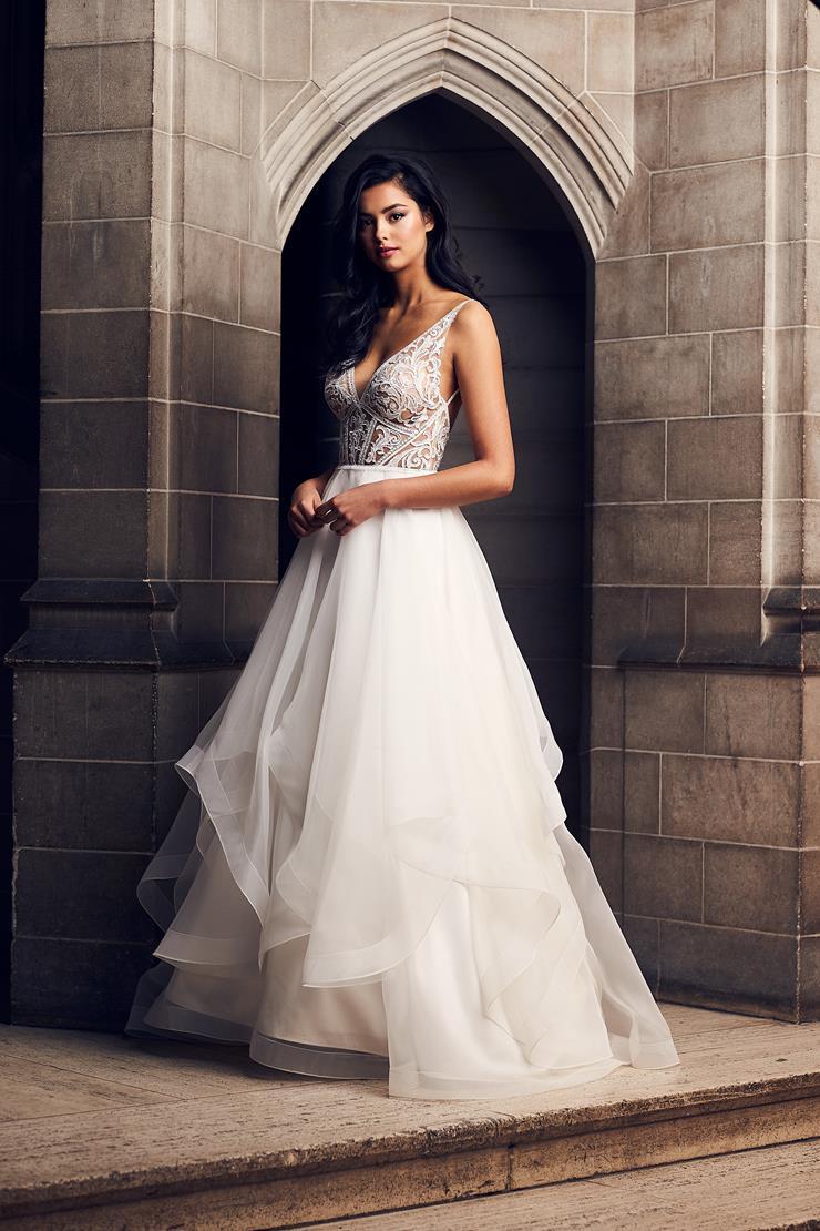 Paloma Blanca Style #4903  Image