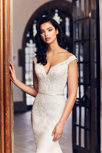 Paloma Blanca Style #4915