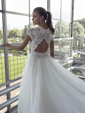 Le Papillon by Modeca #Layla