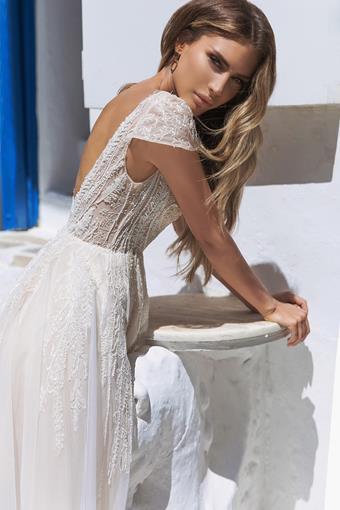 Elly Bride Paula
