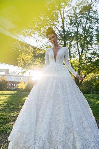 Elly Bride Axella