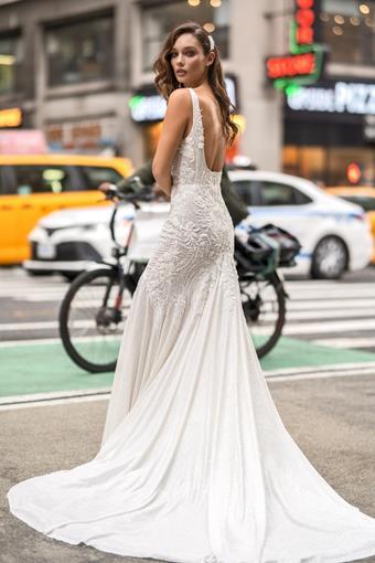 Elly Bride Cris