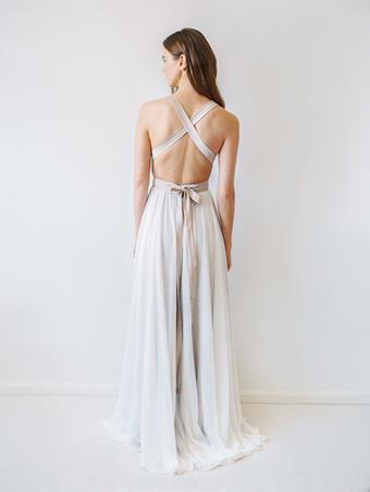 Truvelle Bridal Carrall