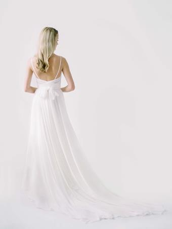 Truvelle Bridal Kim