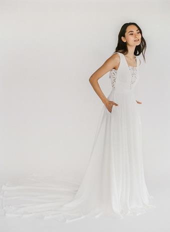 Truvelle Bridal Ramona