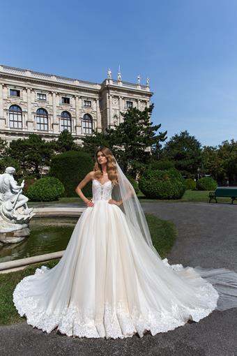 European Couture ec11