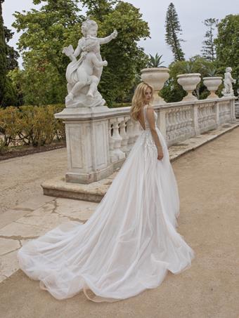 European Couture ec17