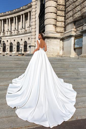 European Couture ec31