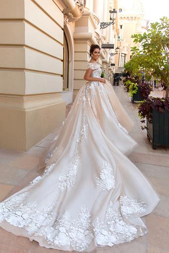 European Couture ec39