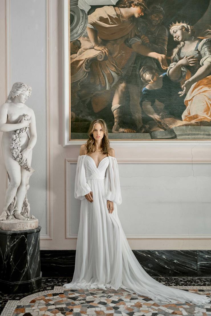 Monique Lhuillier #Venus  Image