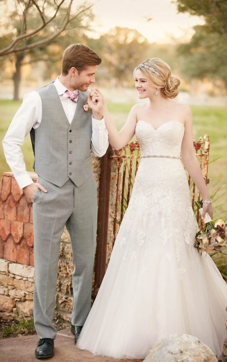 Essense of Australia Bridal Dresses | Regiss in Kentucky - D2122