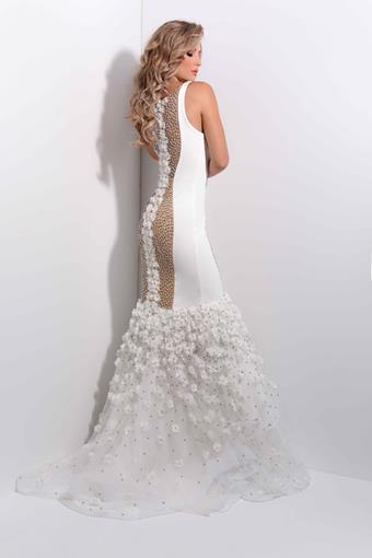Jasz Couture Style #7202