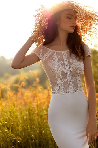 Aria Bride Alexandra