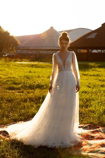 Aria Bride Carla