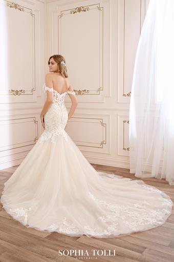 Sophia Tolli Y22065