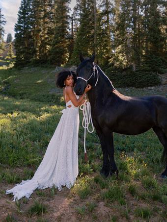 Wilderly Bride Style #Amelia