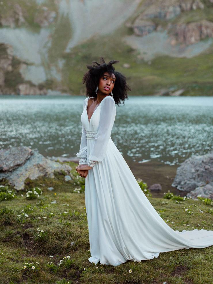 Wilderly Bride Style #Monroe