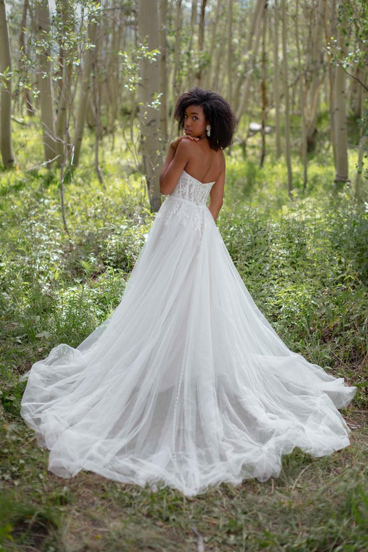 Wilderly Bride  Wren