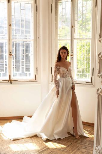 Giovanna Alessandro #Bell