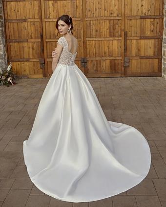 Casablanca Bridal #2416