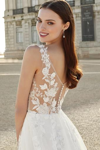 Adore by Justin Alexander Style NO. 11142