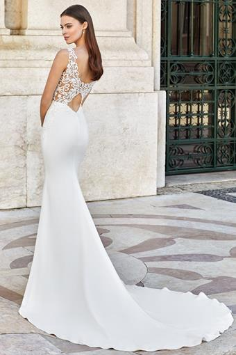 Adore by Justin Alexander Style #11144