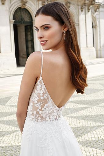 Adore by Justin Alexander Style no. 11145