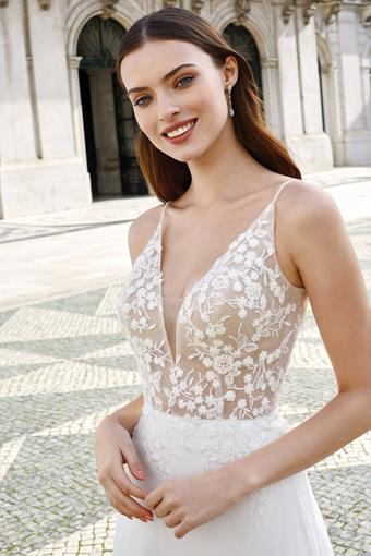 Adore by Justin Alexander Style #11145