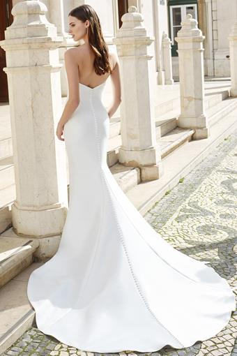Adore by Justin Alexander style 11150