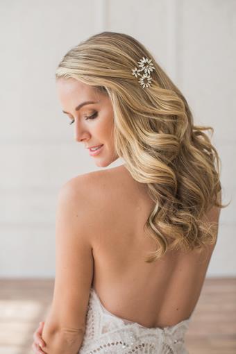 Brides and Hairpins CAMILA CLIP