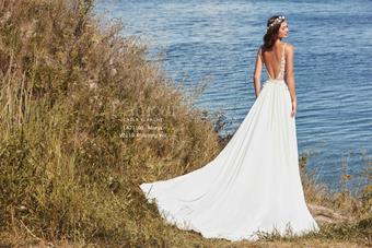 L'Amour by Calla Blanche Style No. LA21103