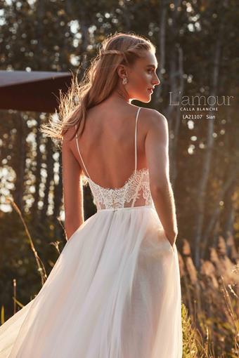 L'Amour by Calla Blanche Style No. LA21107