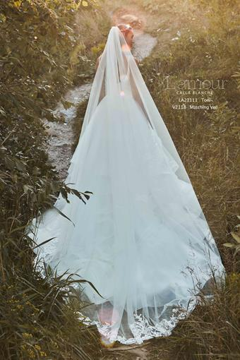 L'Amour by Calla Blanche Style No. LA21111