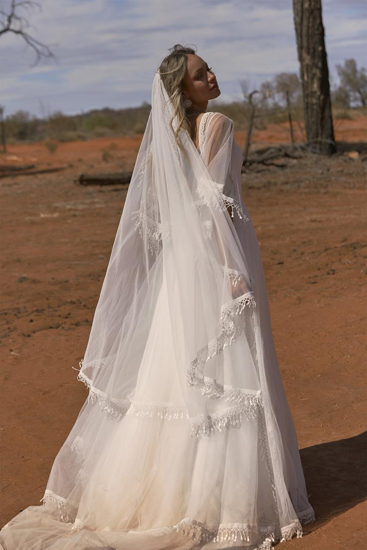 Evie Young Style #Scout Veil Image