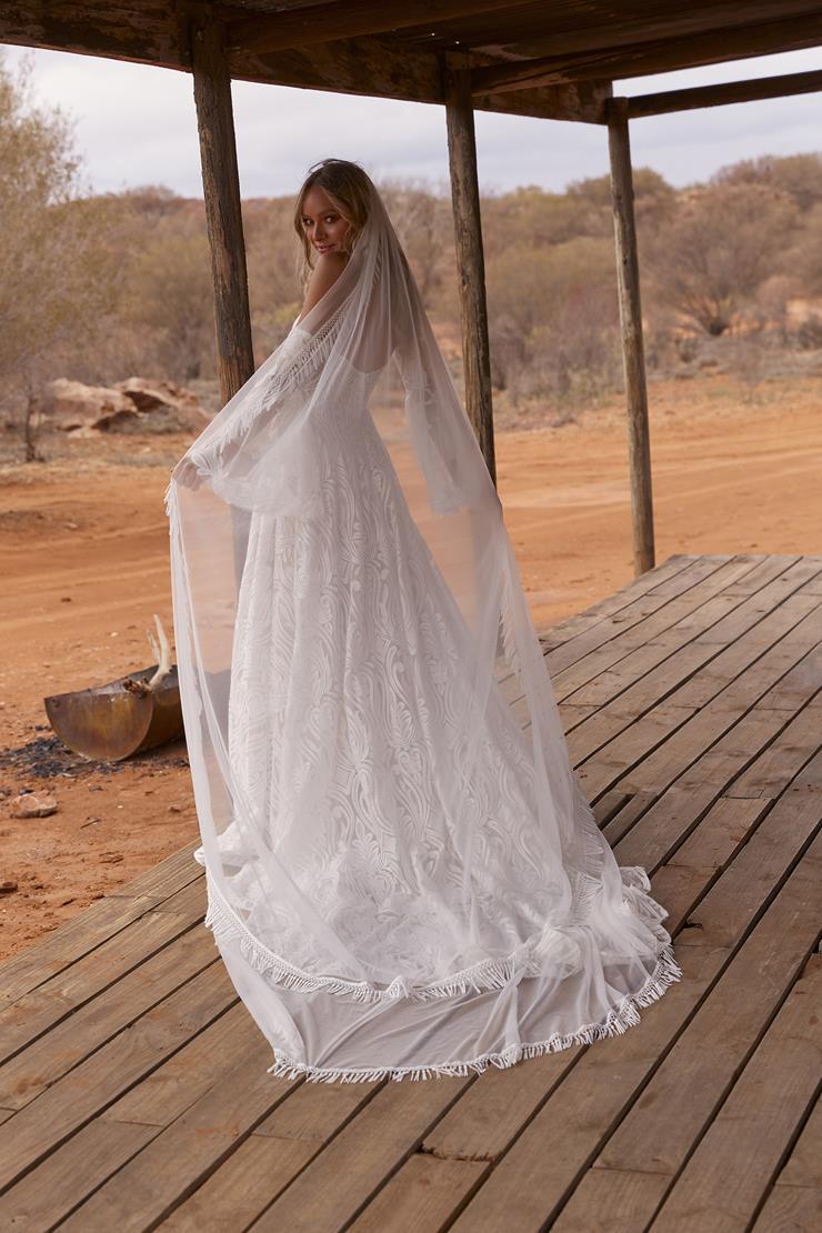 Evie Young Style #Wren Veil