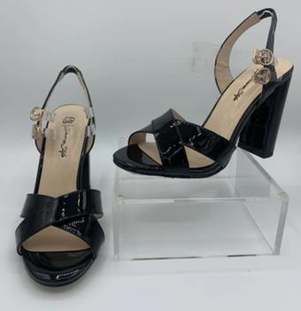 Diverse Style by Sydni Dion Style No. Chunky Heel