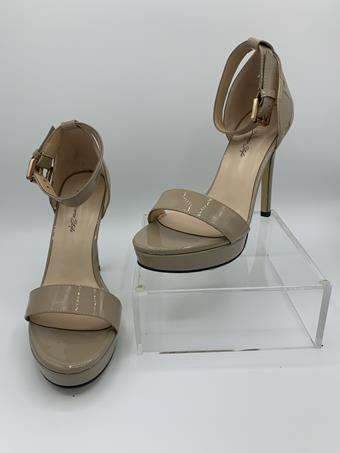 Diverse Style by Sydni Dion Style No. Classic Ankle Strap