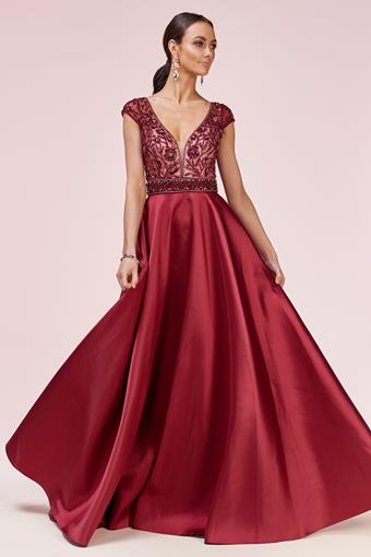 Andrea & Leo Couture Style: A0574
