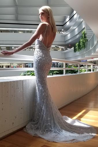 A&L Couture Style: A0639