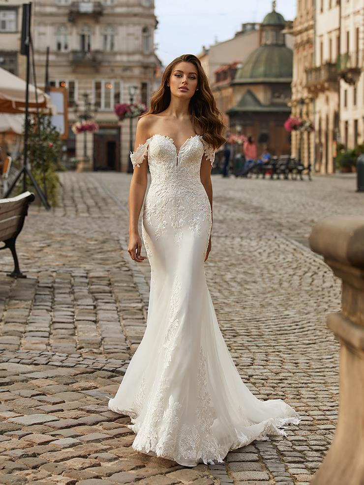 Moonlight Bridal Style No. J6819