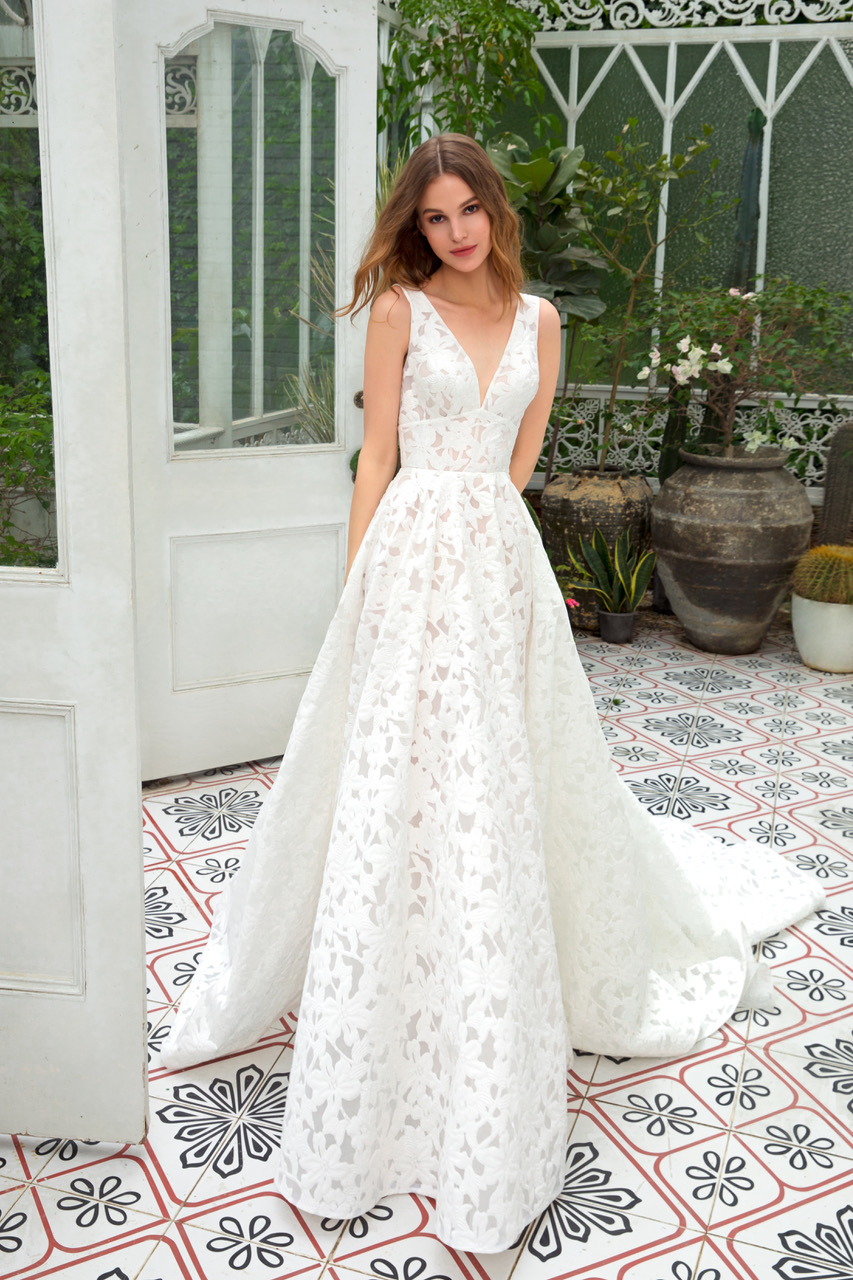 Dany Tabet - Bella   The Poinsett Bride