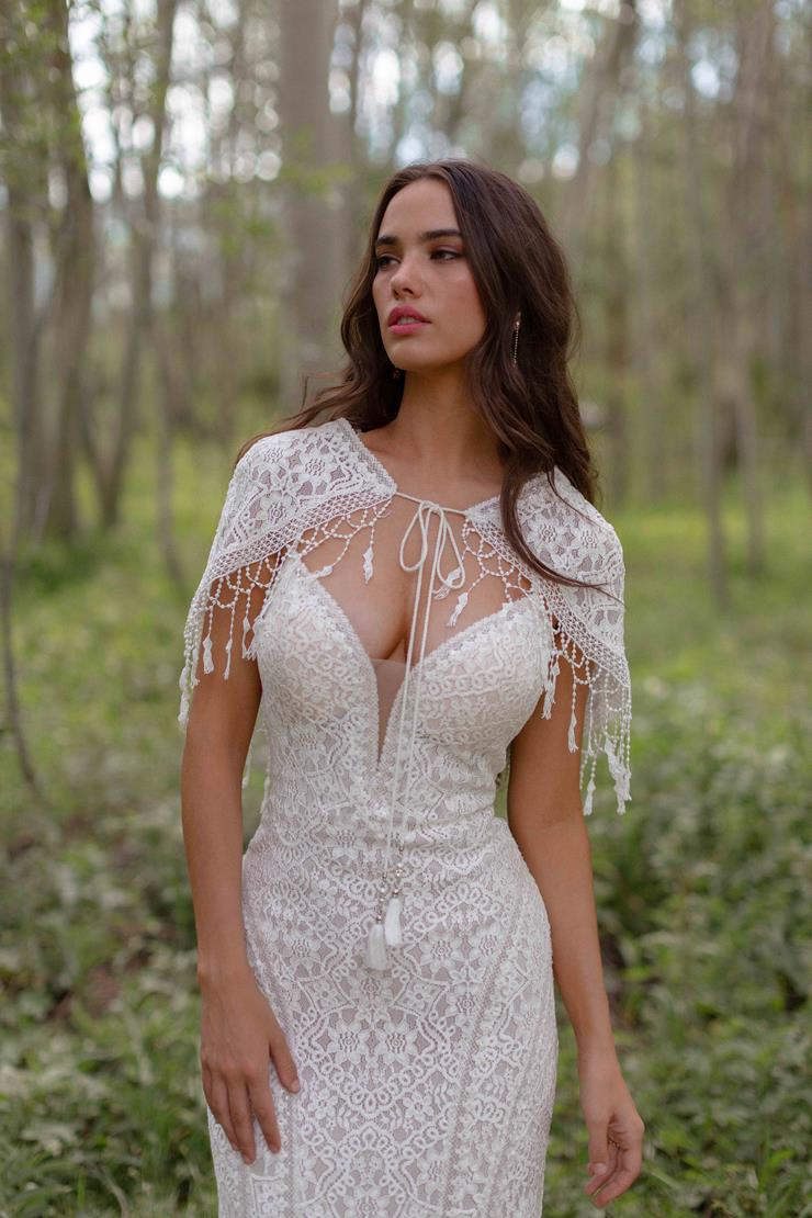 Allure Wilderly Bride Style #Shelby Shawl Image