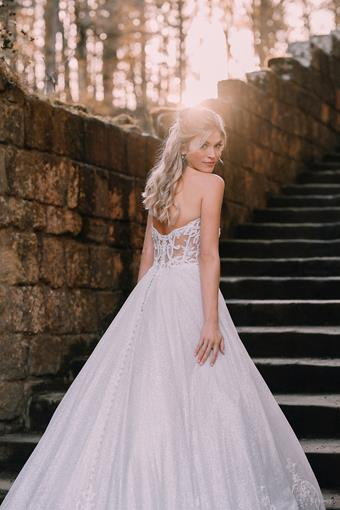 Disney Fairy Tale Weddings Style #D293