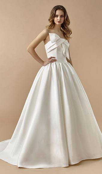 Beautiful by Enzoani Lola