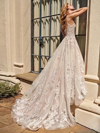 Val Stefani Style No. D8227