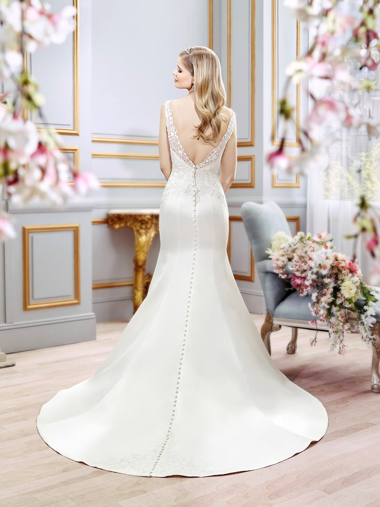 Moonlight Bridal J6391
